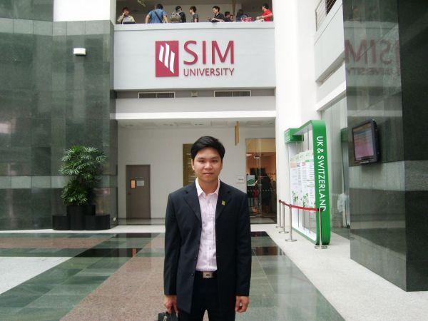 <strong>duhoctoancau.com</strong> thăm SIM Singapore