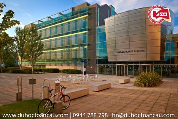 3-truong-dao-tao-thac-si-re-nhat-UK-Anglia-Ruskin-University