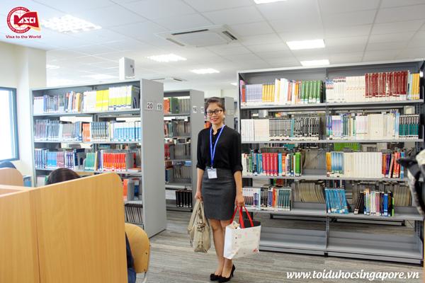 Thư viện của Đại học James Cook, Singapore với rất nhiều đầu sách hữu ích