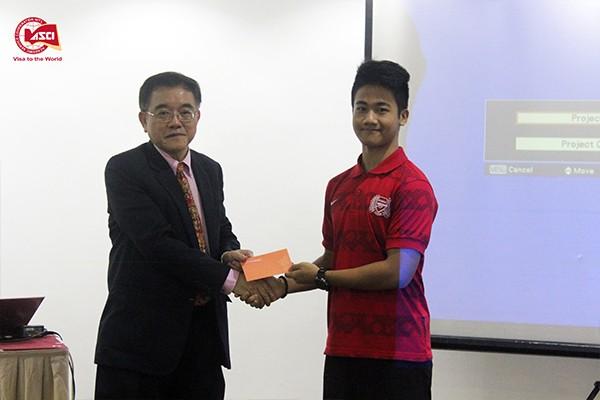 trao-giai-nhi-cuoc-thi-an-tuong-singapore