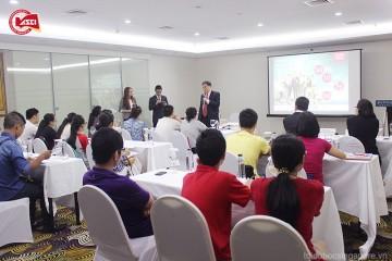 Thầy erik kuan tại hội thảo du học Singapore asci