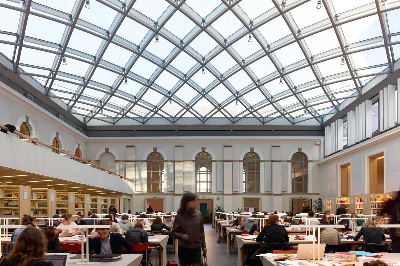 Thư viện trường với kiến trúc lạ mắt