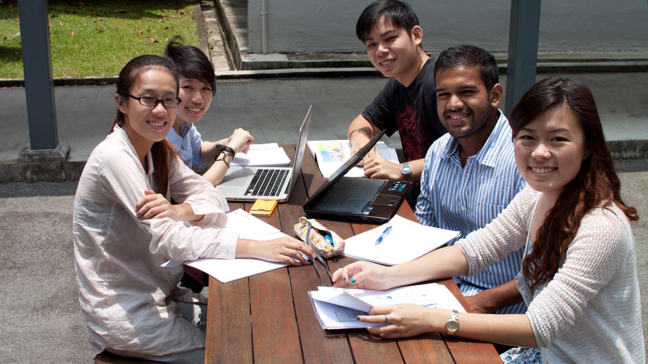 du hoc ngan han tai singapore 3 thang 1