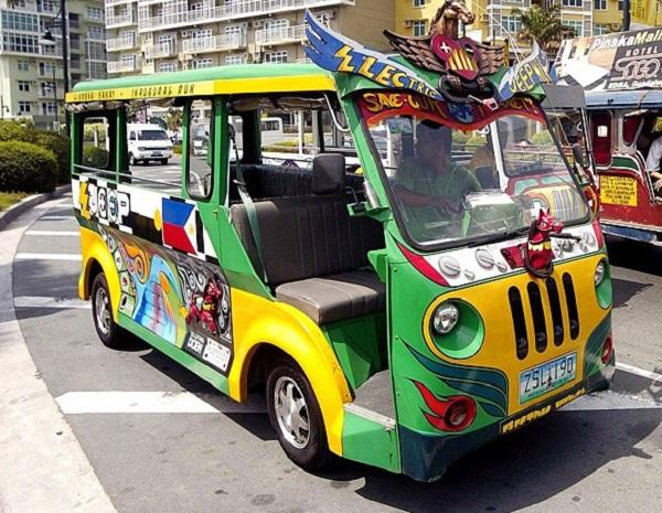 Xe Jeep một phương tiện đi lại rất phổ biến trên mảnh đất xinh đẹp này