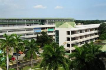 Khuôn viên rộng lớn của trường Anh ngữ UV ESL
