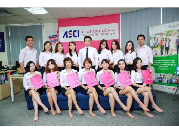 Đội ngũ tư vấn viên của ASCI đã hỗ trợ thành công nhiều học sinh với tỉ lệ đạt visa du học Canada lên tới trên 95%