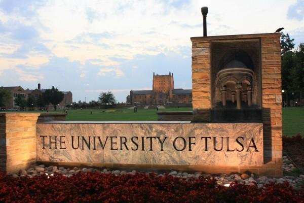 Khung cảnh của trường Đại học Tulsa (University of Tulsa)