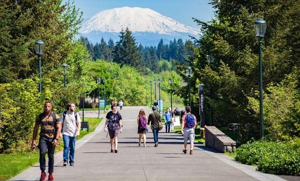 Có đến 70% sinh viên bậc đại học nhận được hỗ trợ tài chính