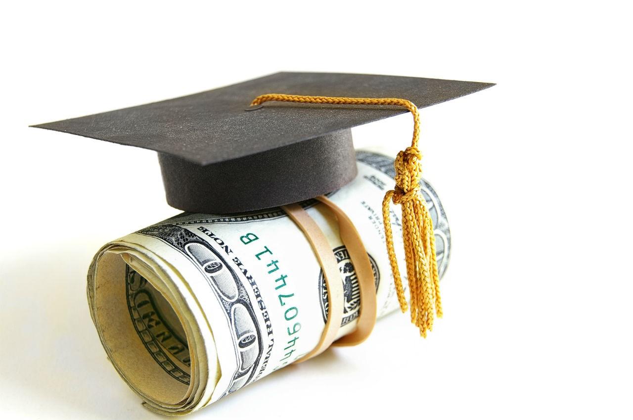 Bí quyết du học giá rẻ luôn bắt đầu từ việc đăng kí chương trình học bổng