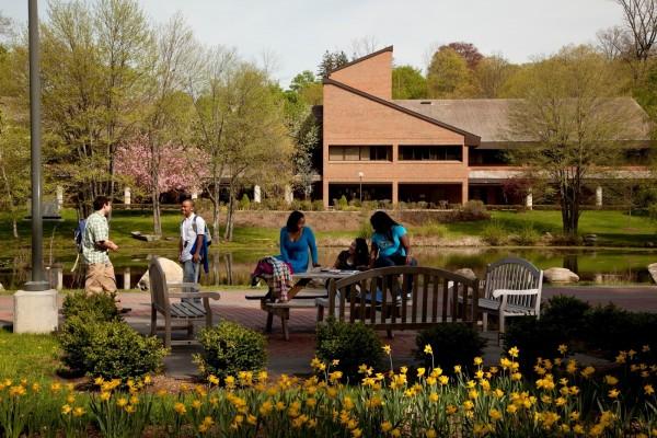 Westchester Campus - điểm đến cho những bạn thích lối sống truyền thống đậm chất Mỹ