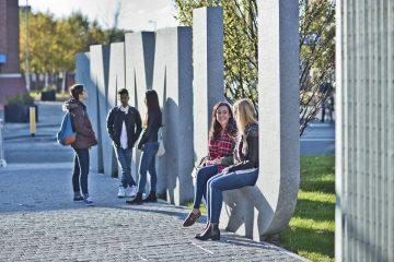 1-manchester-metropolitan-university-du-hoc-anh
