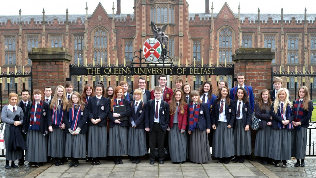 1-queens-university-belfast-du-hoc-anh