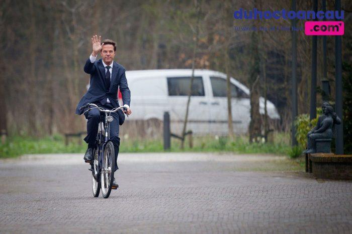Thủ tướng Hà Lan đạp xe đi làm mỗi ngày (Ảnh minh họa)