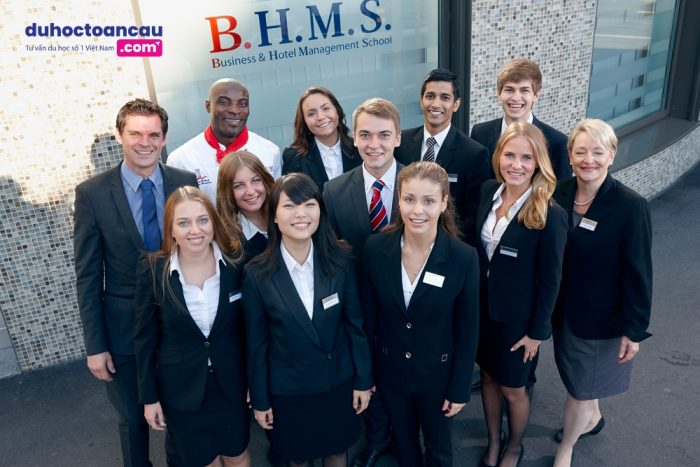 Khi theo học tại học viện BHMS, sinh viên sẽ nhận được 02 bằng đại học trong thời gian 03 năm