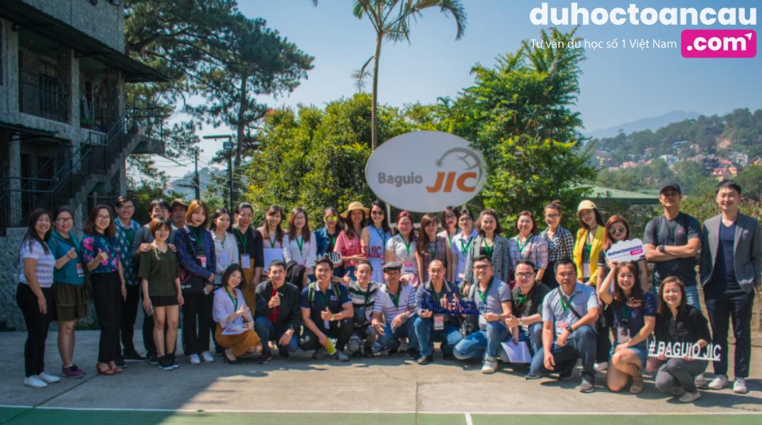 Đại diện Duhoctoancau.com ASCI đến thăm trường JIC tháng 3/2019