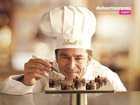 Thanh Chocolate đầu tiên xuất hiện vào năm 1750 được tạo nên bởi hai người Ý
